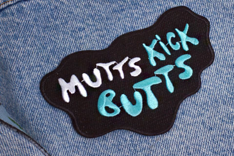 Patch-Bordado-Mutts-Kick-Butts