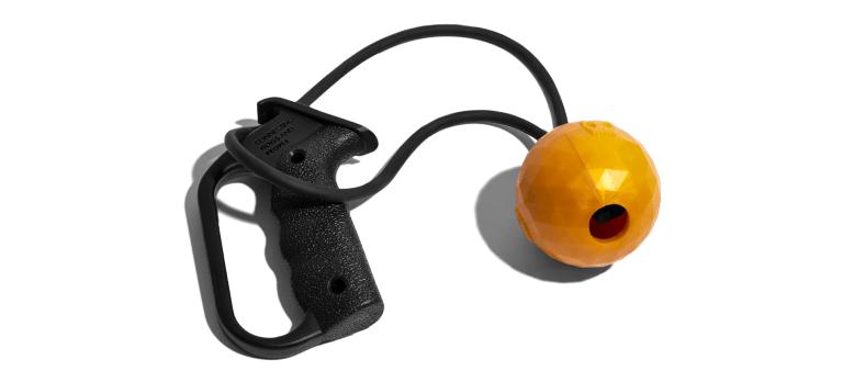 brinquedo para cachorros sling bling estilingue