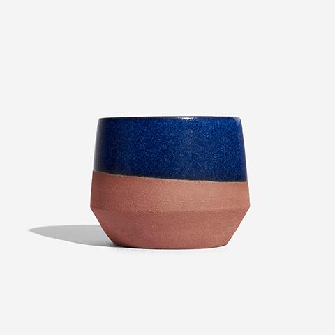 ceramica-copo-azul-marrakesh-zeedog-pessoas-active
