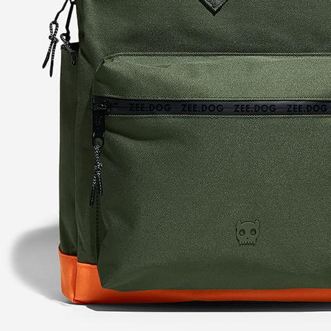 mochila-classic-verde-laranja-zeedog-human-hover